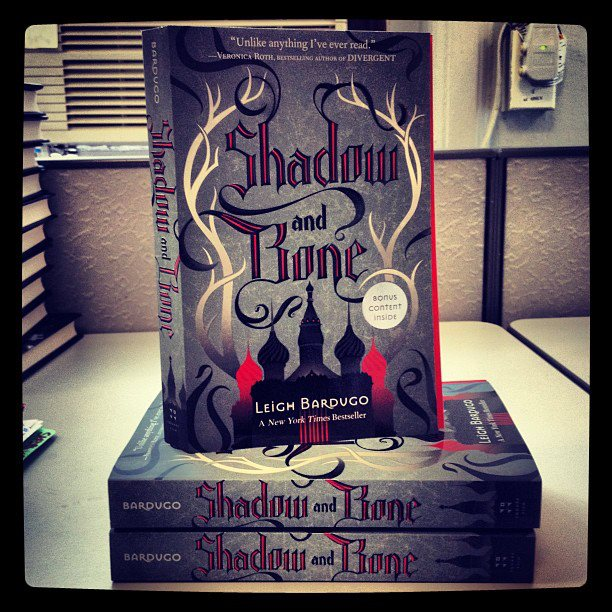 shadow-and-bone-paperback
